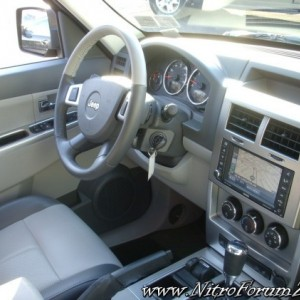 08 Jeep Liberty Limited Interior